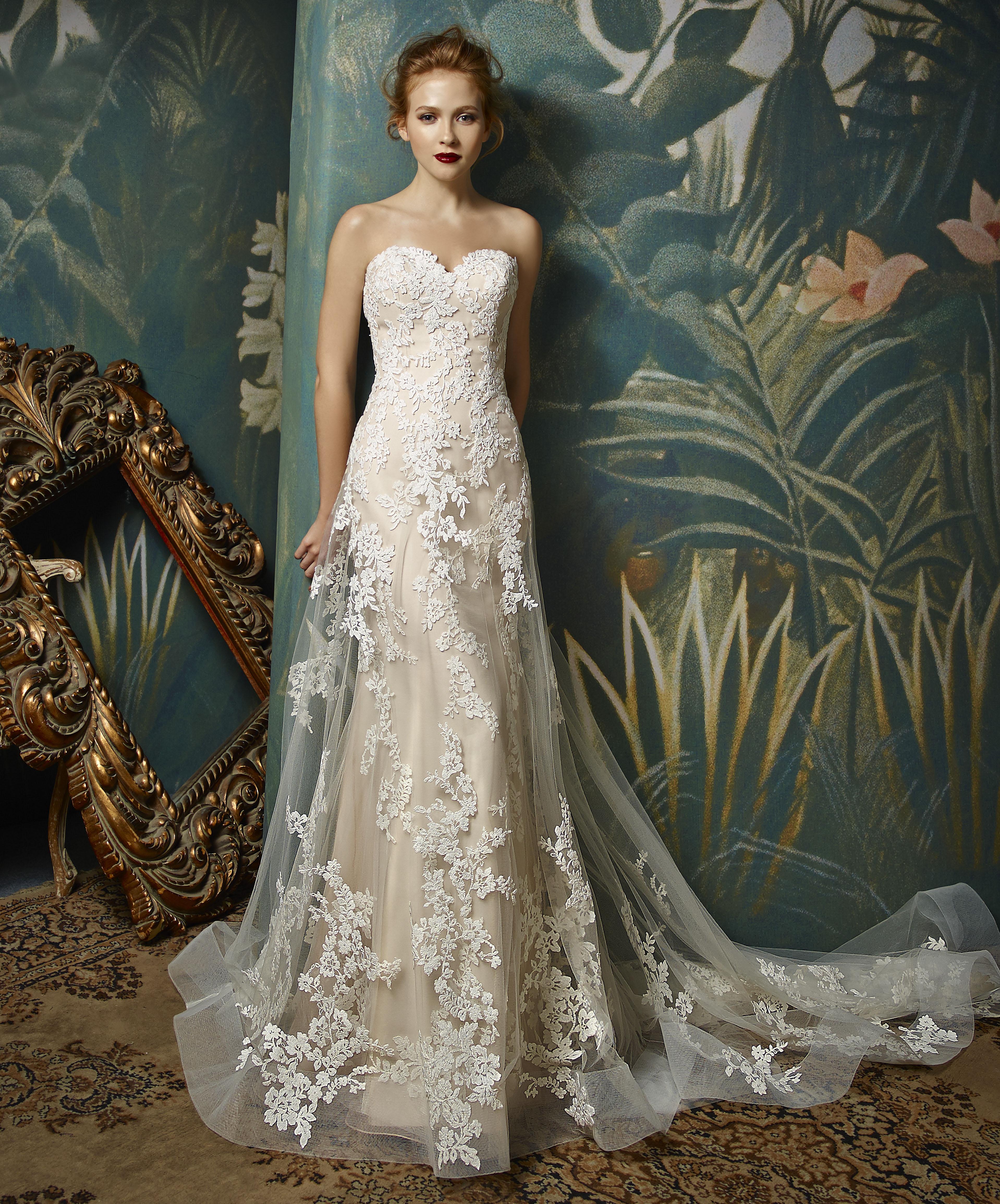 Enzoani Wedding Gown Lace wedding dress Jilly Sample Sale
