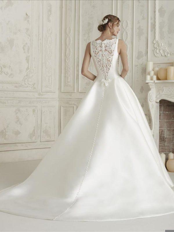Pronovias Mikado Wedding Dress ELenco Aline Wedding Dress lace tatoo mikado wedding dress