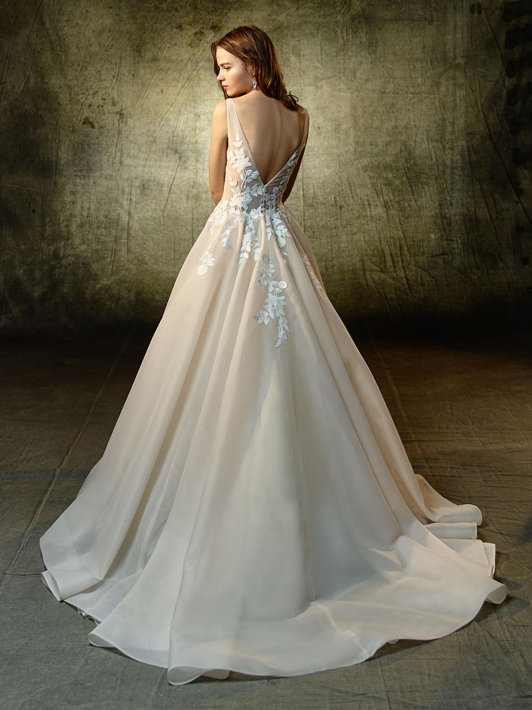 Enzoani Wedding Dress Lennox Organza wedding dress Aline wedding dress Vneck wedding dress