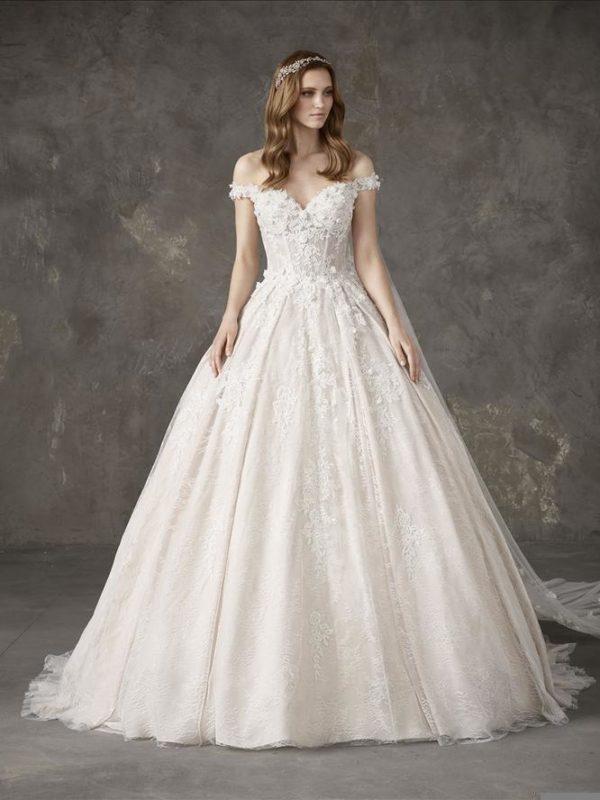 Pronovias Wedding Dress NAMIBIA off shoulder ball gown
