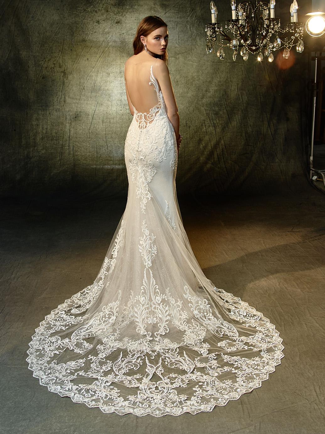 Enzoani Wedding Dress Lunaire Mermaid wedding dress with cape