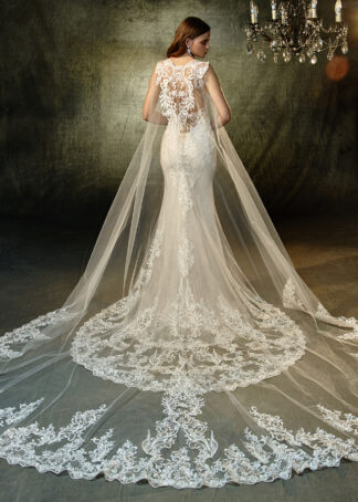Enzoani Wedding Dress Lunaire Mermaid wedding dress with cape
