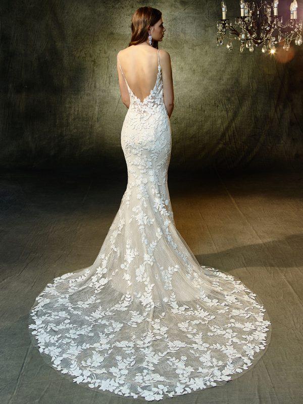 Enzoani Wedding Dress Lesley, Fit and flare wedding dress, low back wedding dress, sexy wedding dress, sheath wedding dress, v neck wedding dress, lace wedding dress