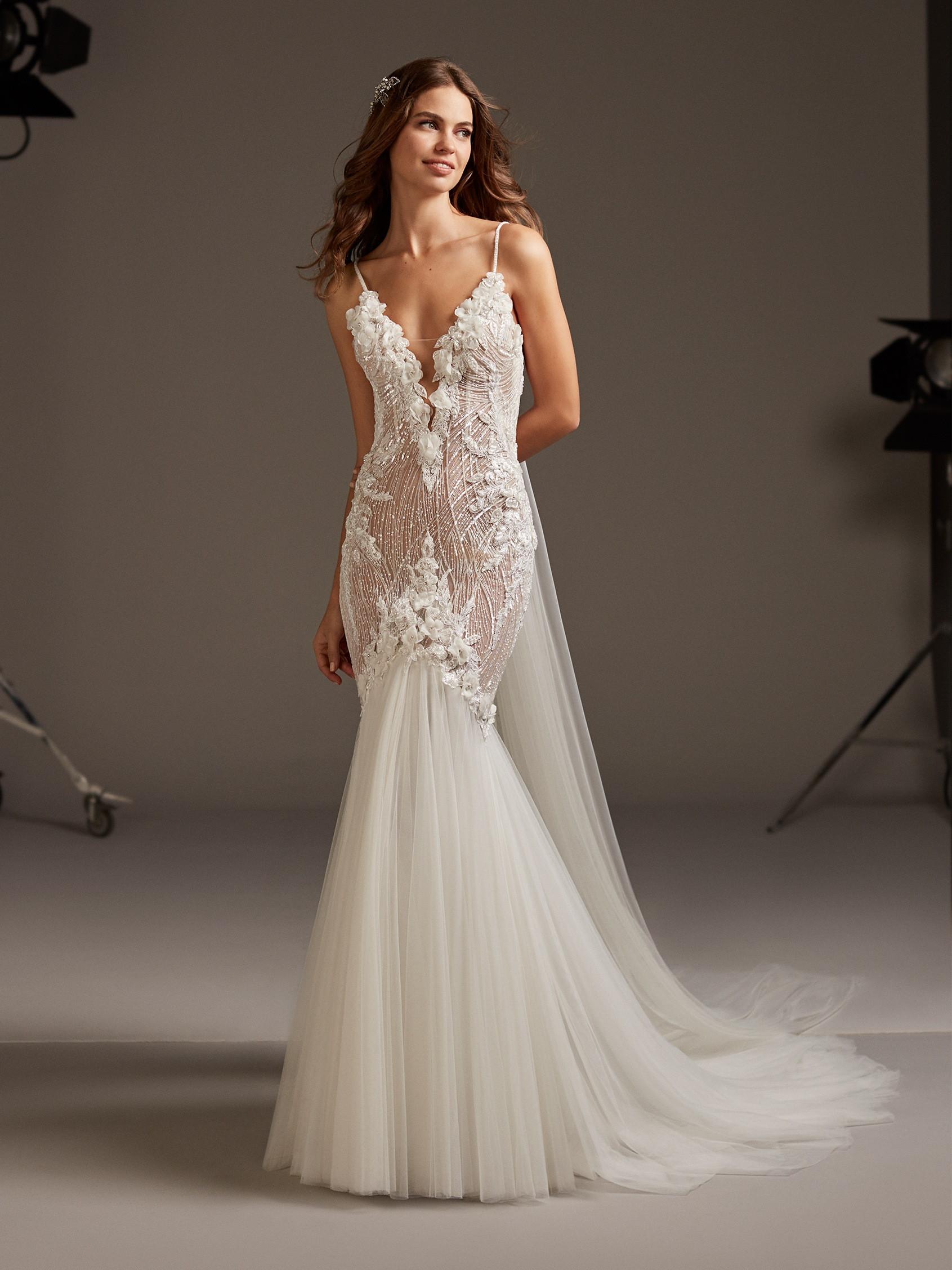 Wedding dress pronovias, nude wedding dress, toronto wedding dress, new wedding dress, wedding dress with straps